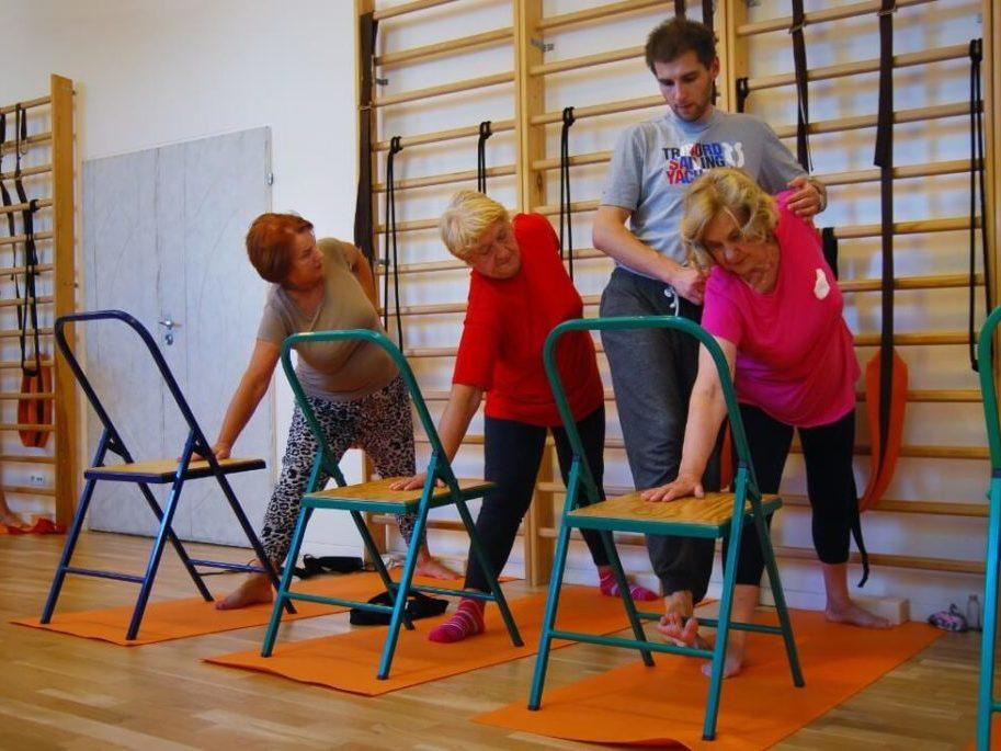 joga dla seniorów 3