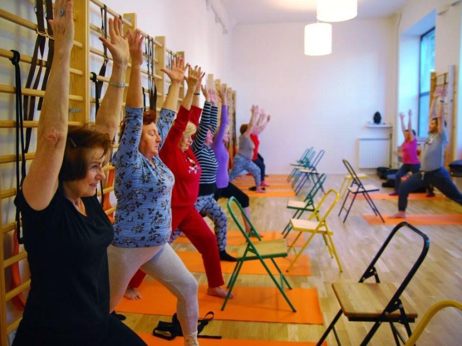 joga dla seniorów 2